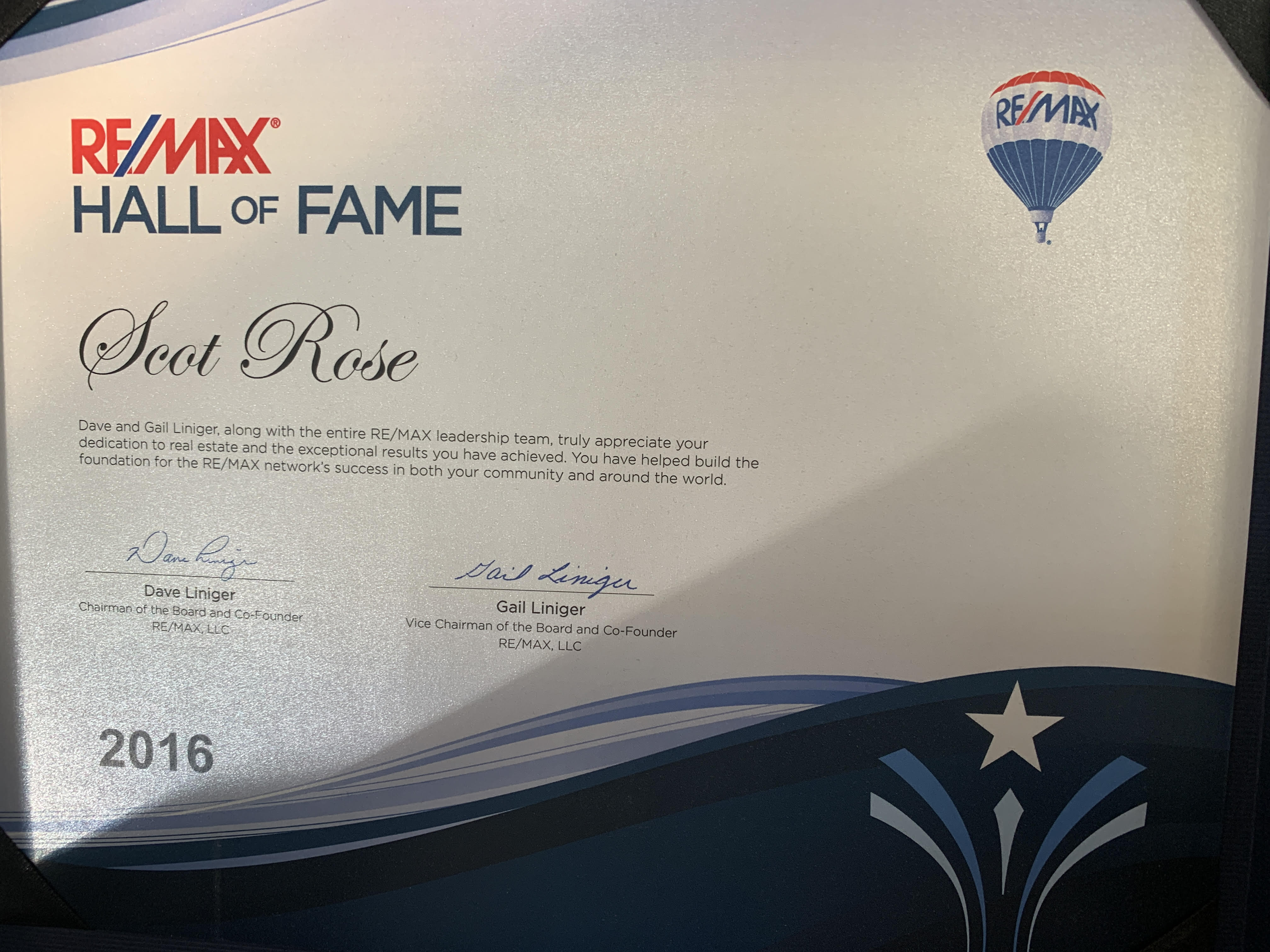 Hall of Fame Award<br /> <br /> The Hall of Fame Award is given to RE/MAX Sales Associates who have earned in excess of $1 Million in paid commissions within the RE/MAX System. image